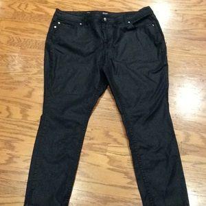 NWOT Black Skinny Jeans